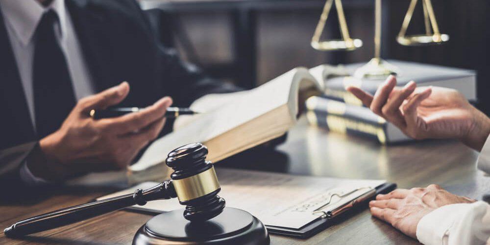 Kwalifikowany podpis elektroniczny dla prawnika. Co warto wiedzieć?